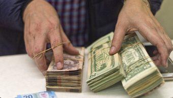 Dólar cierra al alza, se vende en 20.69 pesos