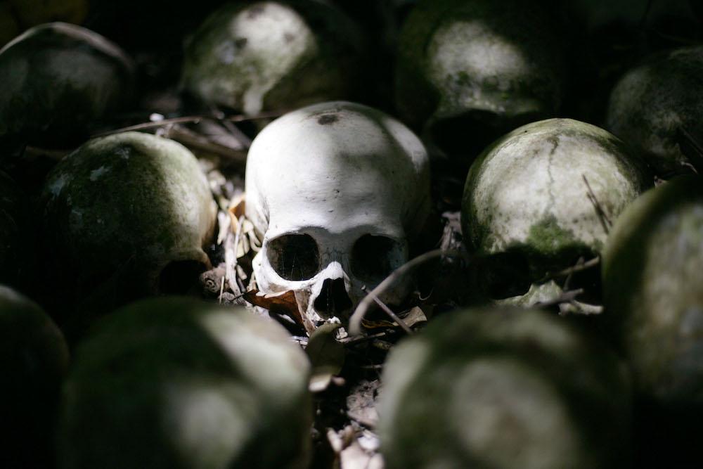 Más de 200 restos óseos fueron encontrados en tienda esotérica en México
