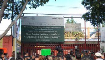 Con miedo, padres llevan a sus hijos al kínder Marcelino de Champagnat, tras escándalo sexual