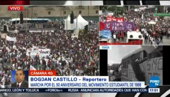 Marcha conmemorativa por la represión de octubre de 1968 llega al zócalo
