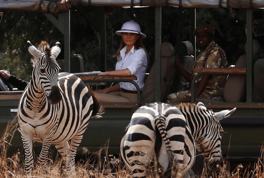 Melania Trump durante safari en Kenia. (Reuters)