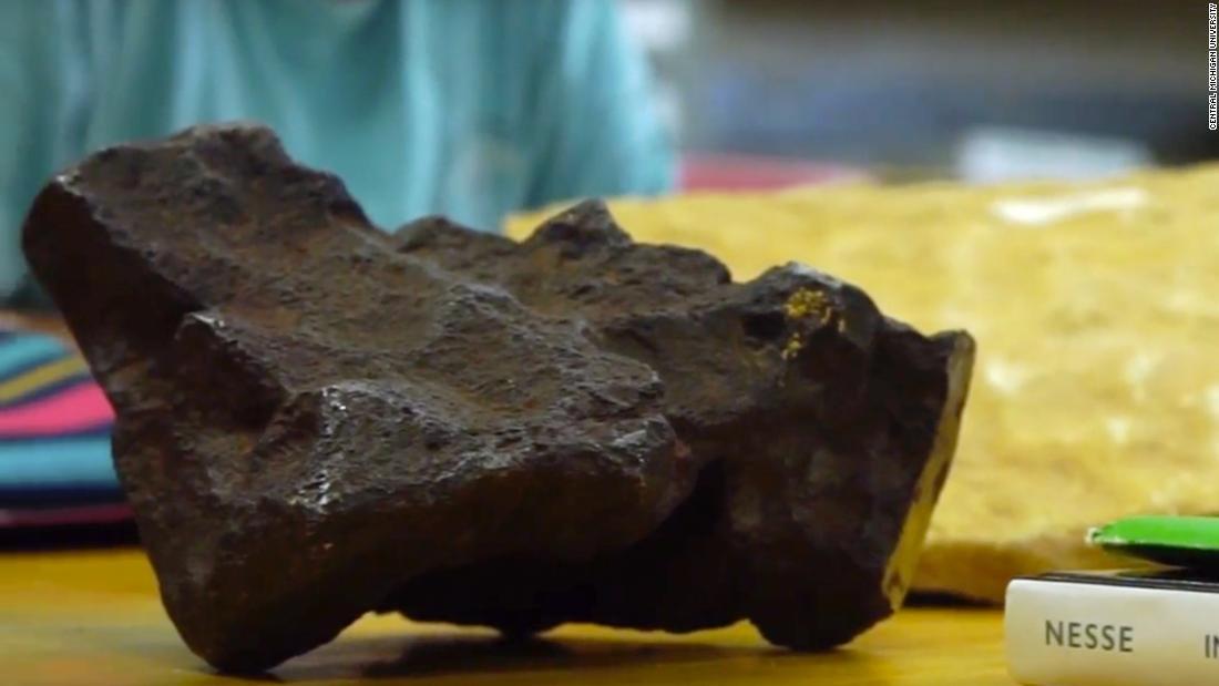 Tope de puerta resulta ser meteorito de cien mil dólares