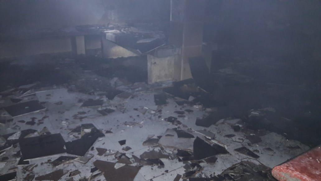 Migrantes incendian garita migratoria en Pijijiapan