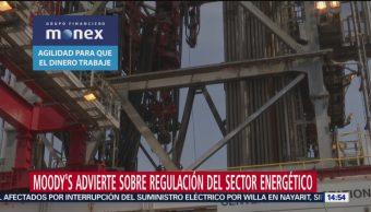 Moody's advierte a AMLO sobre regulación de sector energía