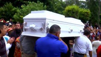 Padres de Valeria juran ante su tumba dar con los responsables de su muerte, en Melchor Ocampo