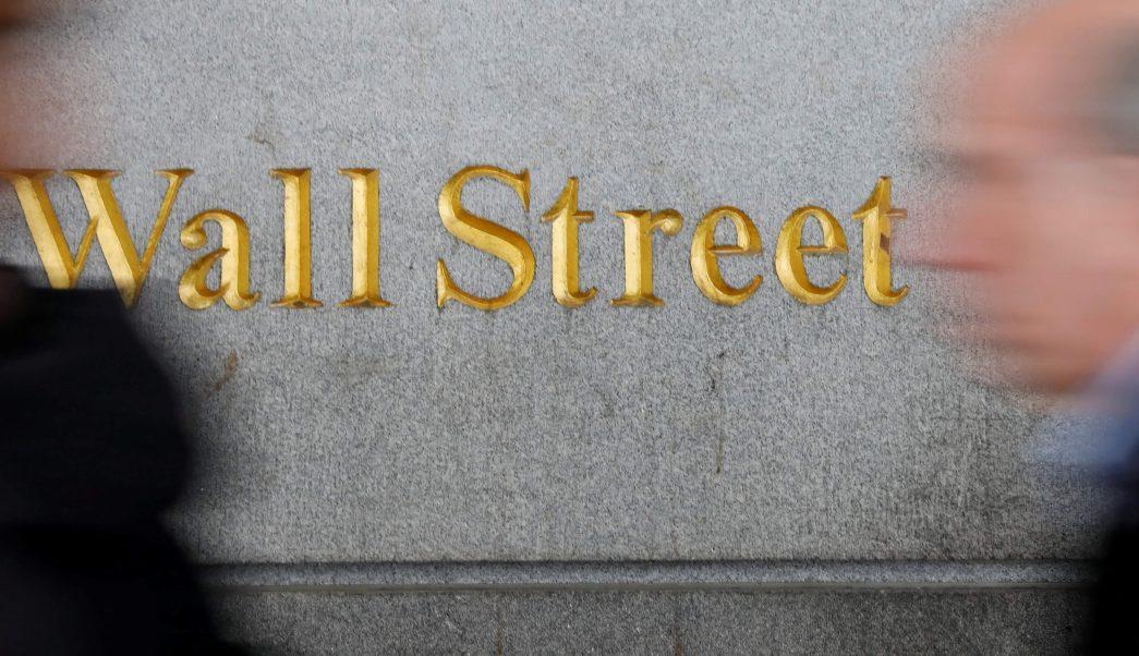 Wall Street opera mixto, Dow Jones cae