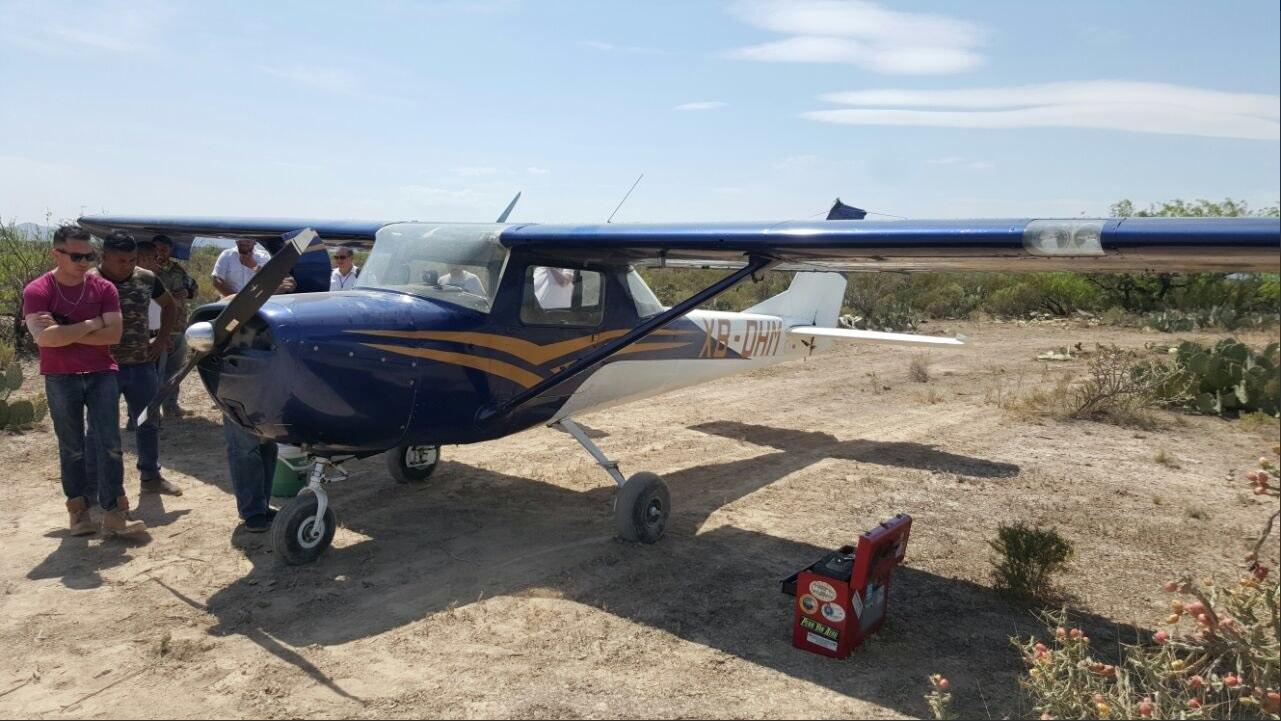 Avión Cessna realiza aterrizaje de emergencia en Nuevo León