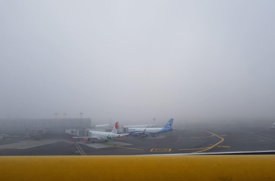 AICM reanuda operaciones tras banco de niebla