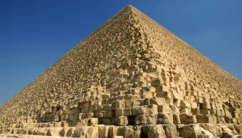 ¿Cómo construyeron las pirámides los antiguos egipcios? (Mikhail Nekrasov/Shutterstock)