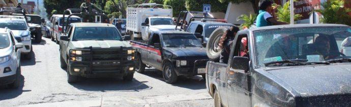 Detienen trayecto de caravana de desplazados por detonaciones de arma en Guerrero