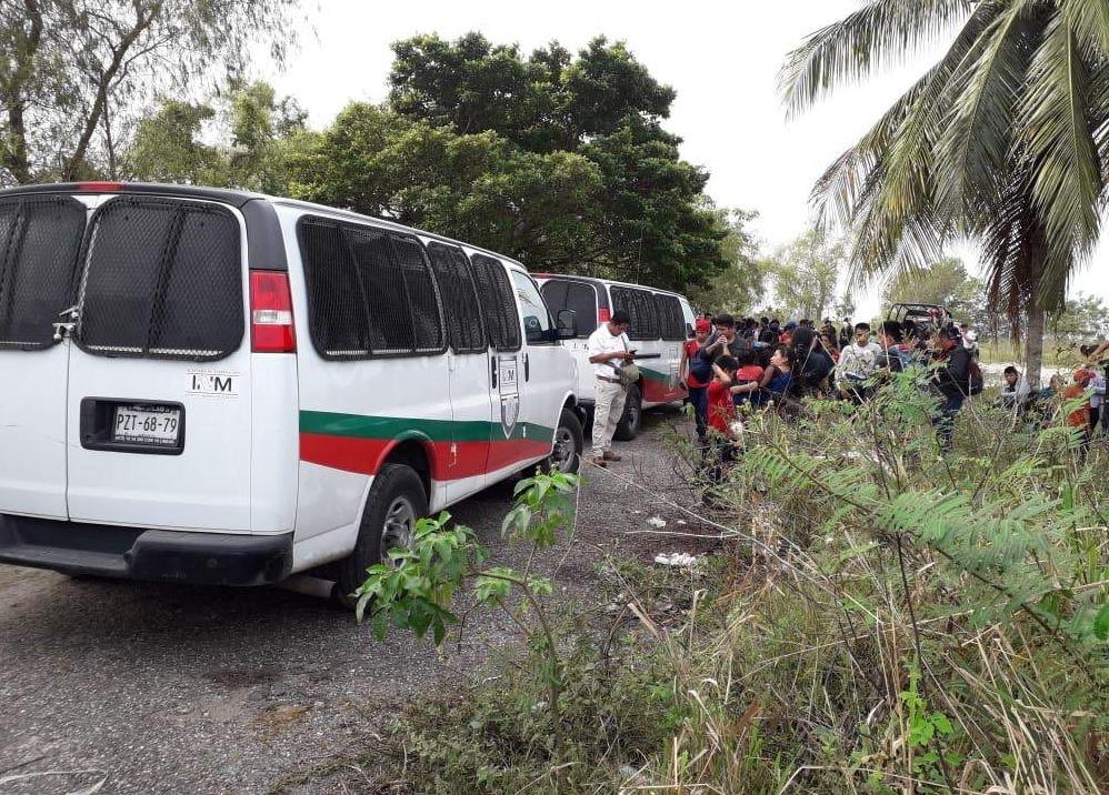 Policías en Tabasco rescatan a 170 extranjeros abandonados