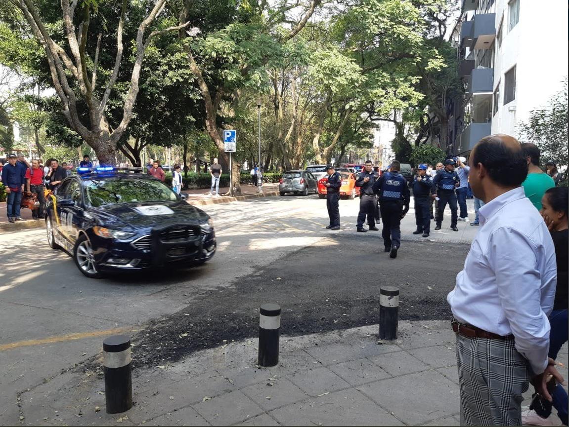 Lesionan a Ismael Figueroa, líder de bomberos, en la Condesa