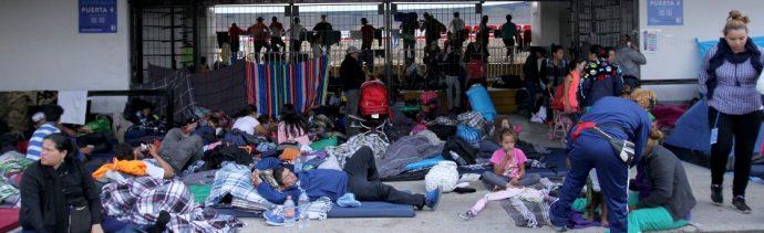 Miles de migrantes realizan una parada en Querétaro