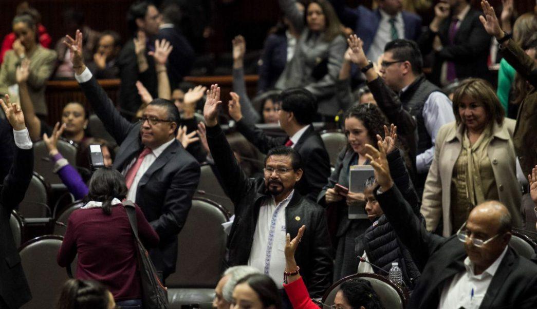 Clouthier revela nombres de diputados contra eliminar fuero