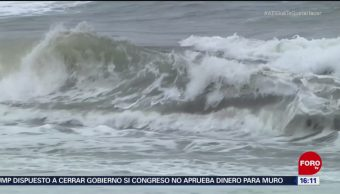Sistema de baja presión provoca lluvias en Colima