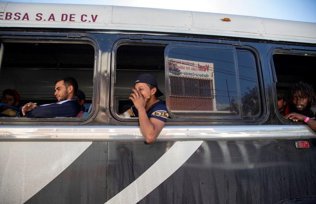Inicia deportación de migrantes tras altercado