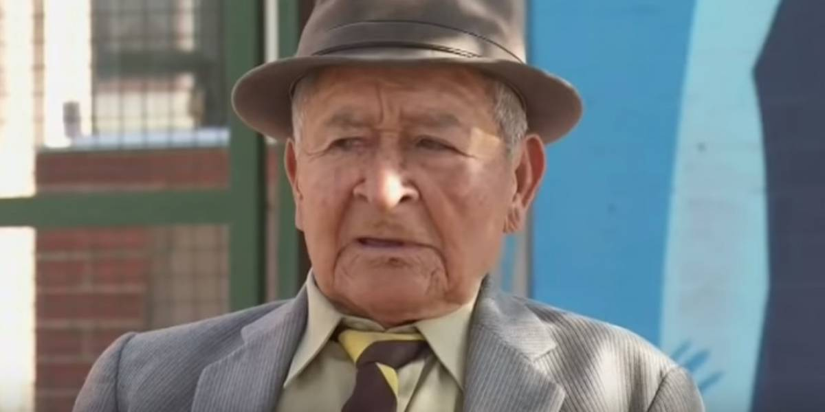 Abuelo De 90 Años Se Gradua Bachillerato, Abuelo Colombiano Se Gradua Bachillerato, Colombia, Tercera Edad, Claudio Melo, Bachiller