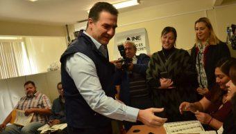 Adrián de la Garza recibe constancia que lo acredita como alcalde electo de Monterrey