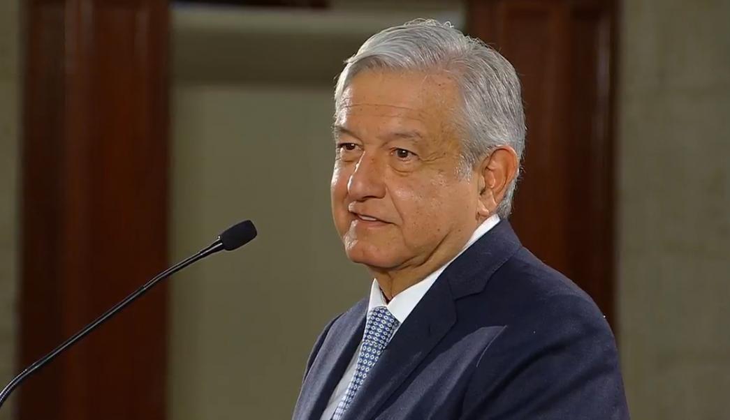 AMLO dice que respetará fallos sobre reducción de salarios y elección en Puebla