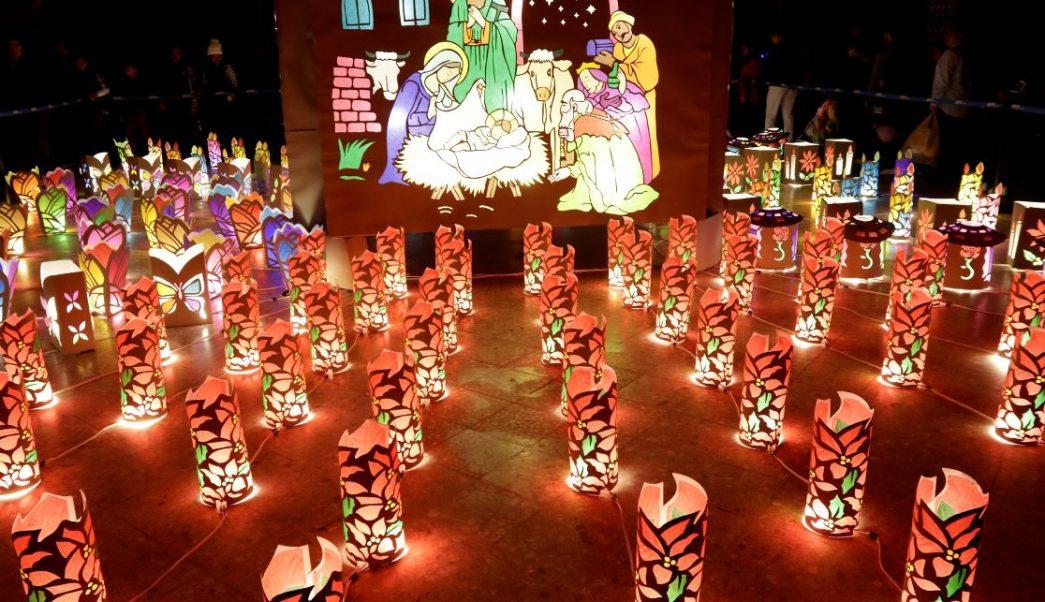 Instalan tradicional Villa Iluminada en Atlixto, Puebla