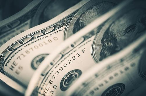 Dólar se vende debajo de los 20 pesos en bancos