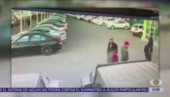 Comando armado roba autos en Guadalajara