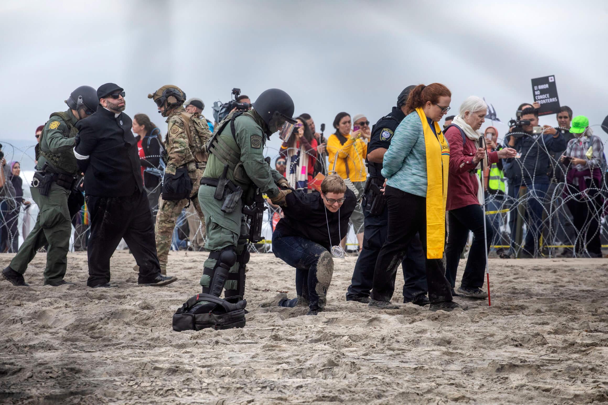 Caravana Migrante; Patrulla Fronteriza detiene activistas