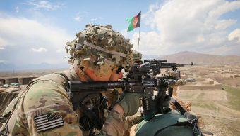 Trump planea retirar 7 mil militares de Afganistán