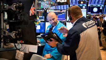 Wall Street cierra con ganancias tras tregua EEUU y China