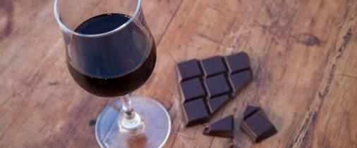 Chocolate y vino tinto retrasan el envejecimiento