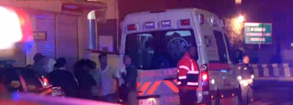 Hombres armados ingresan con violencia a edificio Portales