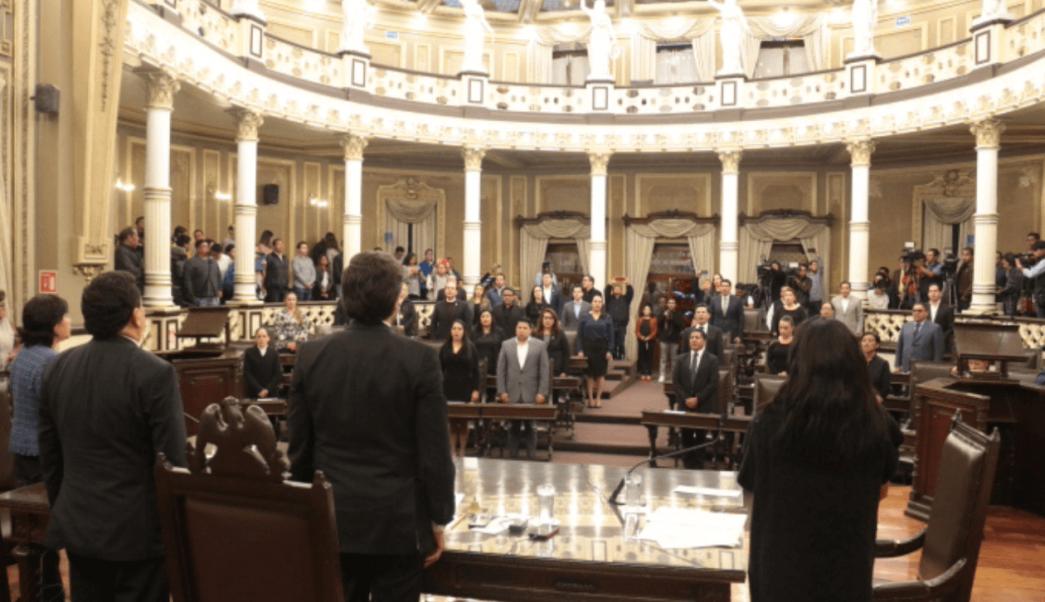 Legisladores negocian para definir interino en Puebla