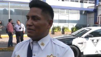 """""""No nos respetan"""": Policía de Atizapán que fue llevado en el cofre de un auto"""