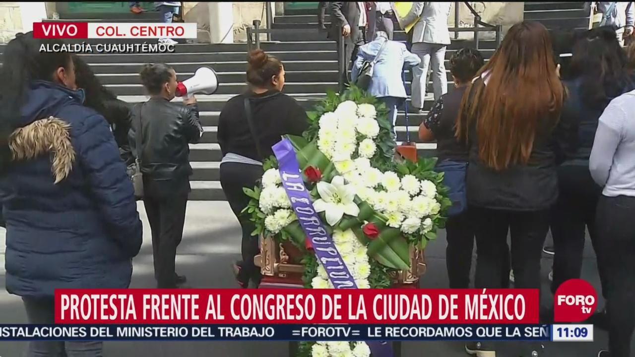 Protesta frente al Congreso de la Ciudad de México