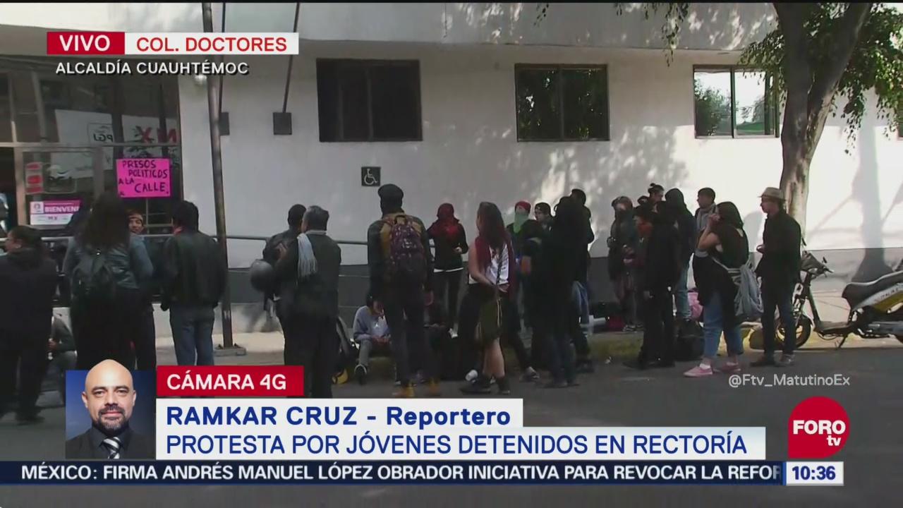 Protesta por jóvenes detenidos en Rectoría de la UNAM