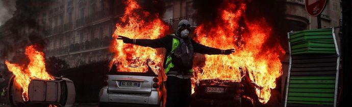 París lamenta 'jornada negra' por violentas protestas