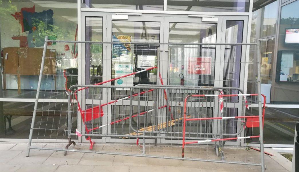 bloquean universidad de paris protestar por aumento en costo de matriculas