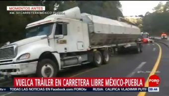 Vuelca tráiler en carretera libre México-Puebla