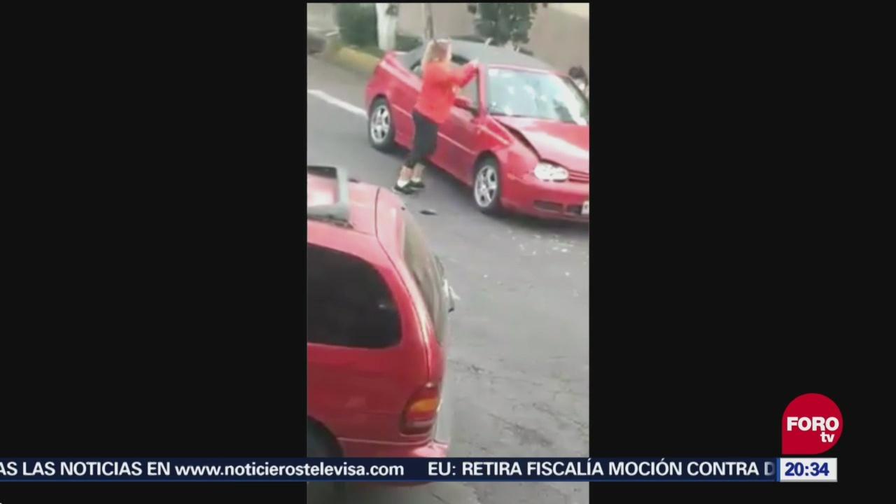 Mujer Enfurece Ganar Lugar Choca Camioneta Otro Vehículo
