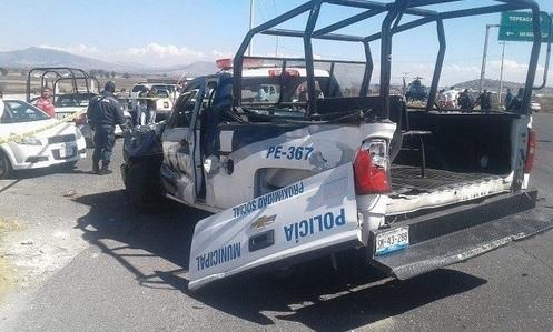Foto: Patrulla choca contra camión en carretera Puebla-Tehuacán, 23 de enero 2019