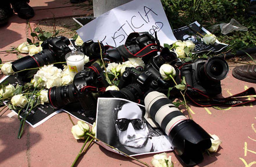 AMLO debe tomar riendas ante violencia contra periodistas