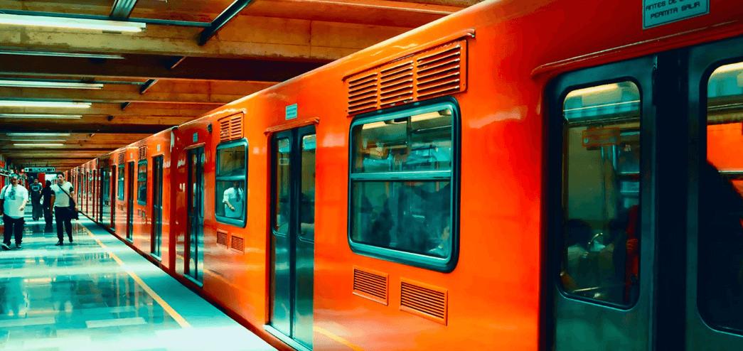 Metro CDMX prohíbe entrada con recipientes de gasolina
