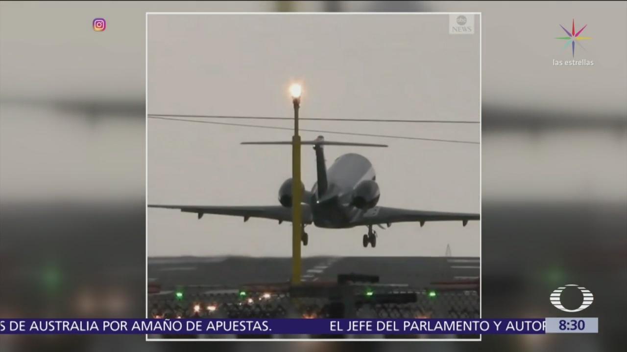 Avión aborta aterrizaje por vientos cruzados en Manchester