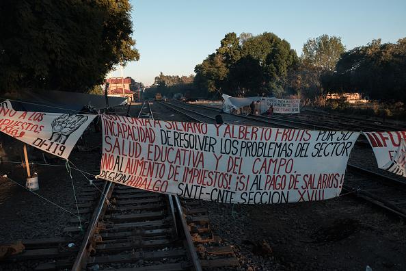 Foto:Integrantes de la CNTE bloquea las vías del tren en la ciudad de Maravatio, Michoacán, 31 enero 2019