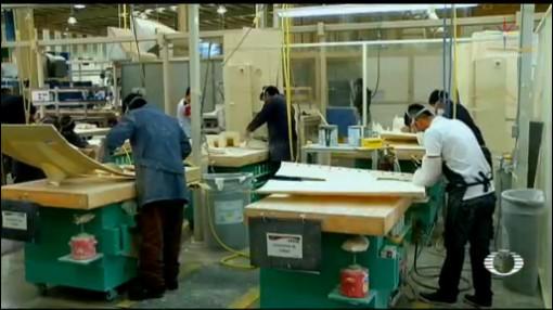 Foto: Personas laborando en una maquiladora de Matamoros. 14 de junio 2019
