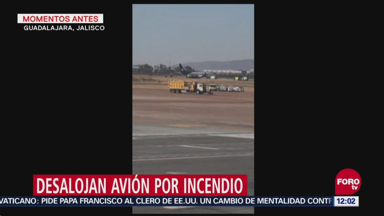 Desalojan avión en aeropuerto de Guadalajara por incendio