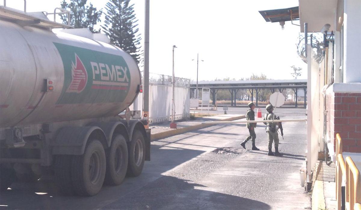 Ejército revisa terminales de Pemex en Guanajuato