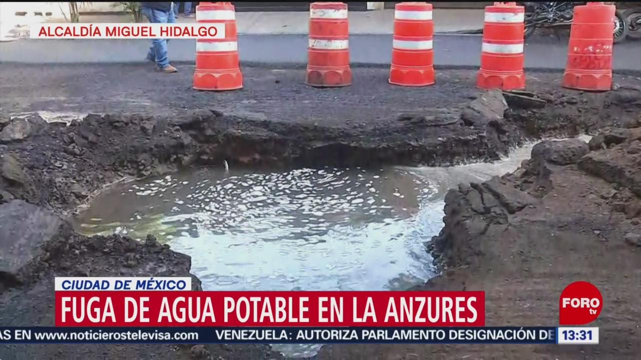 Enorme fuga de agua en la alcaldía Miguel Hidalgo