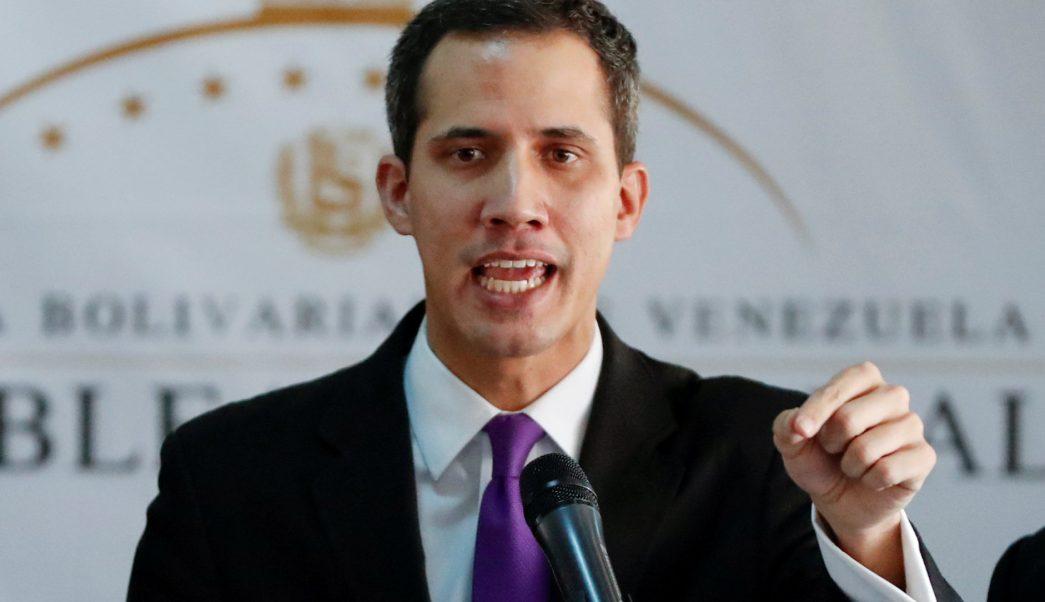 Prisión preventiva a policías que detuvieron a Juan Guaidó