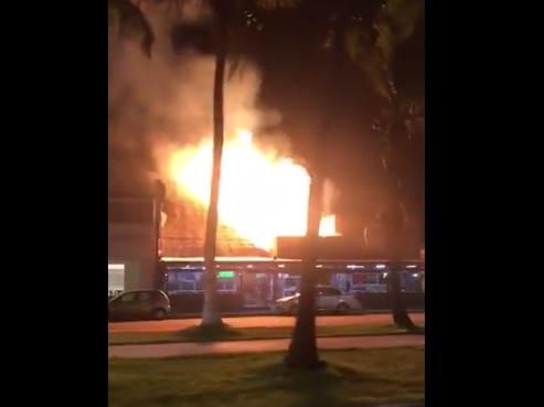 Se incendia restaurante en Boca del Río, Veracruz